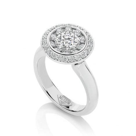 Lucerna Diamond Ring